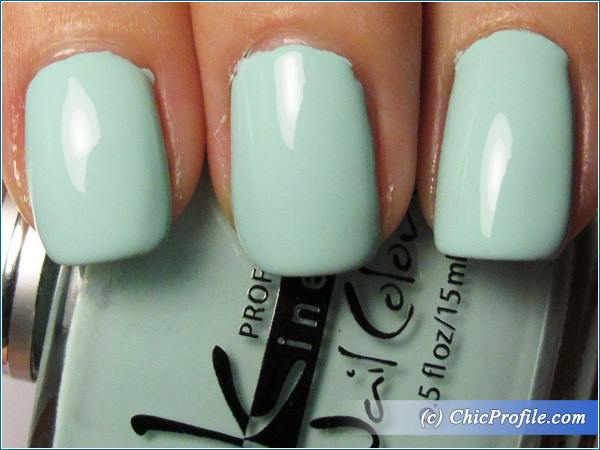 Kinetics-Mint-Sky-Nail-Polish-Review-4
