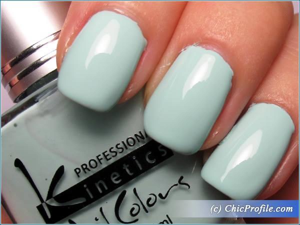 Kinetics-Mint-Sky-Nail-Polish-Review-5
