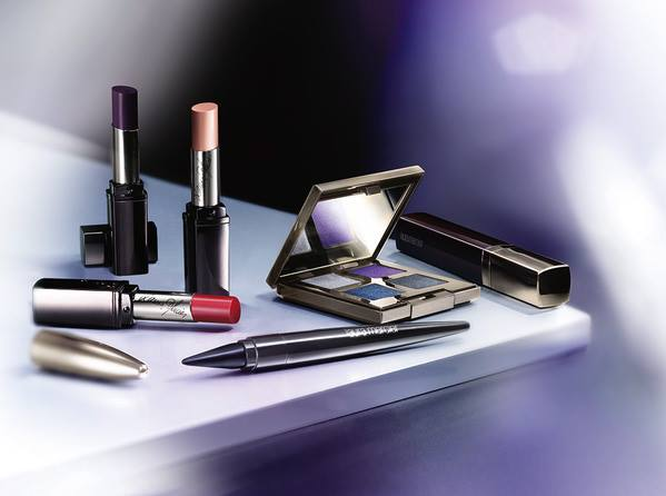 Laura-Mercier-Chrome-Extravagance-Collection-1