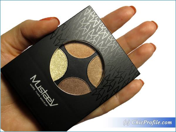 MustaeV-Nude-Quad-Eye-Shadow-Palette-Review-1