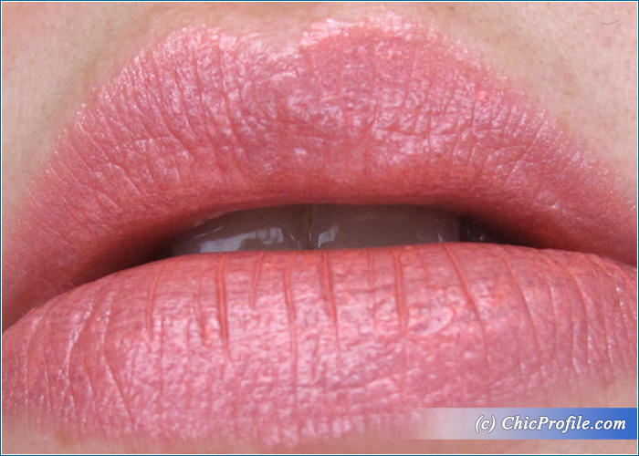 Guerlain-Lady-Pink-Kiss-Kiss-Lipstick-Review-4