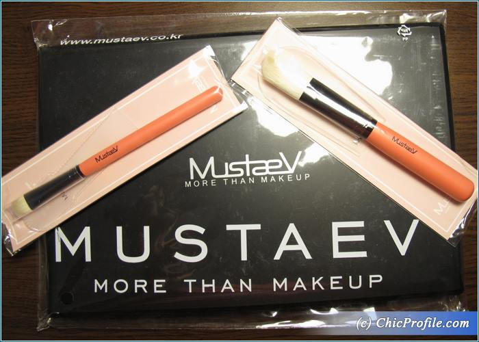 Mustaev-Eyeshadow-Palette-Easy-Go-Brushes-Review
