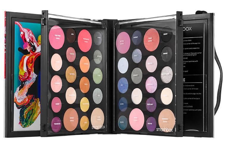 Paint Palettes We Love: Smashbox Holiday 2015 Art Love Color Master Class Palette