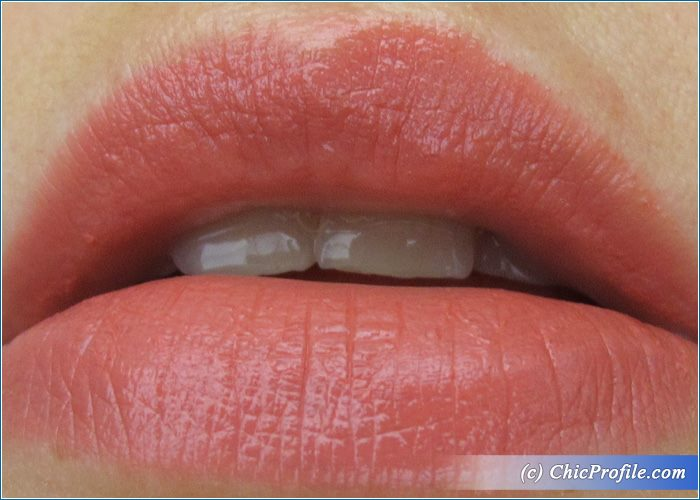 Revlon-Pink-in-the-Afternoon-Super-Lustruous-Lipstick-Review-5