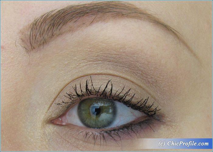 MAC-Violet-Lips-Nude-Makeup-1