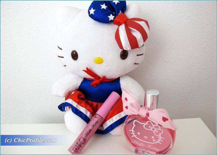 Hello-Kitty-Holiday-2015-Fragrance-Lipgloss-Body-Wash-2