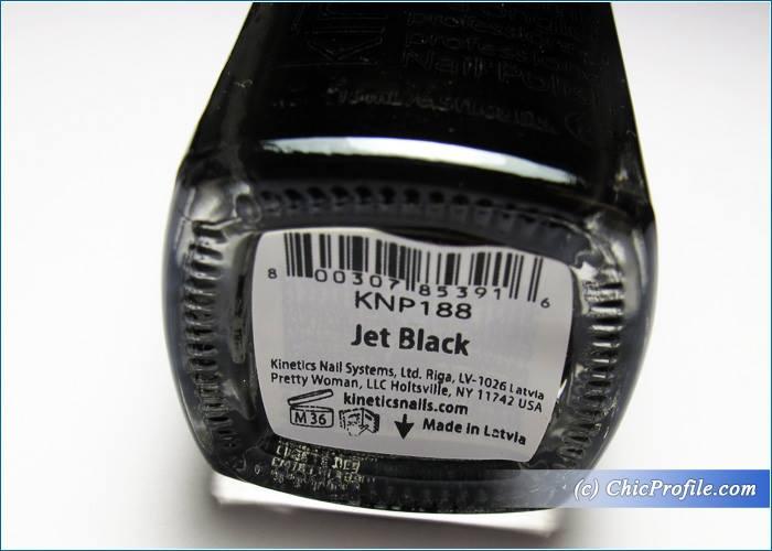 Kinetics-Solar-Gel-Jet-Black-Nail-Polish-Review