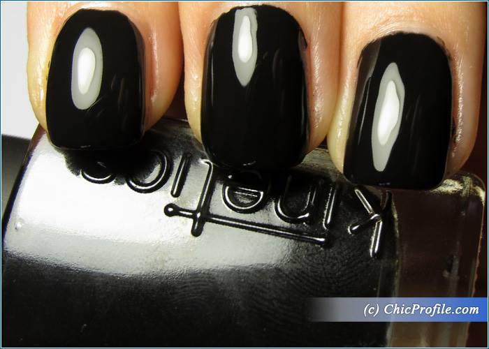 Kinetics-Solar-Gel-Jet-Black-Nail-Polish-Swatch-1