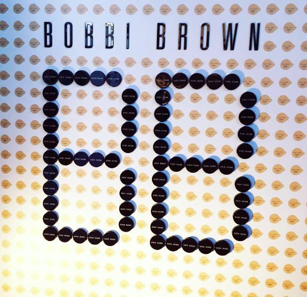 Bobbi-Brown-Cushion-Foundation-Presentation