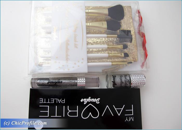 Douglas-My-Favorite-Palette-Brushes-Nail-Polish-Mascara