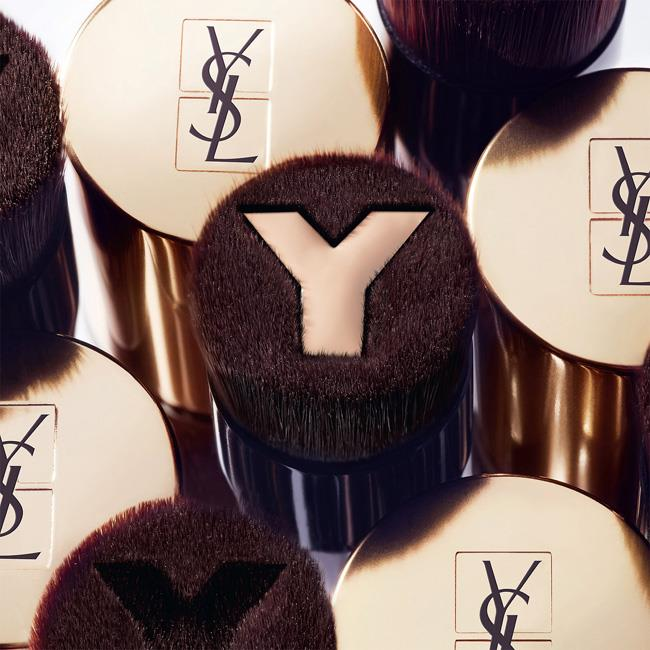 YSL-Touche-Eclat-Foundation-Brush-Visual