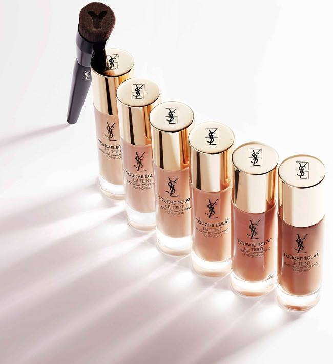 YSL-Touche-Eclat-Foundation-Brush