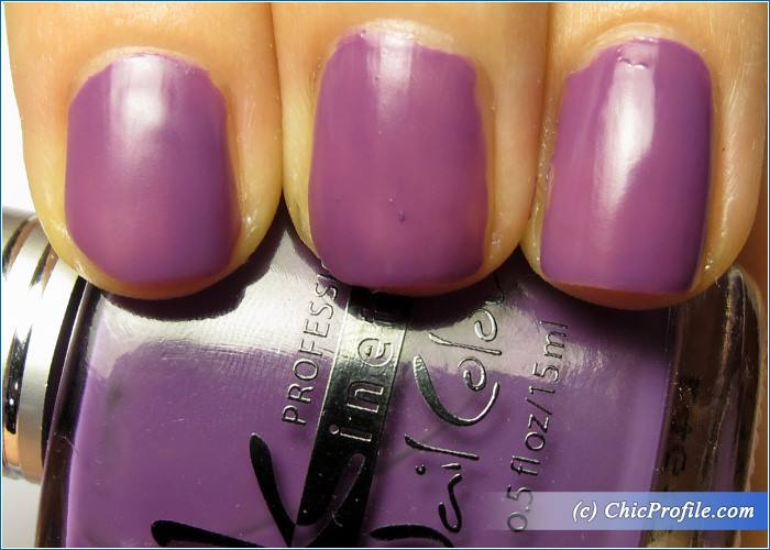 Kinetics-Lucy-in-the-Sky-Nail-Polish-Review-4