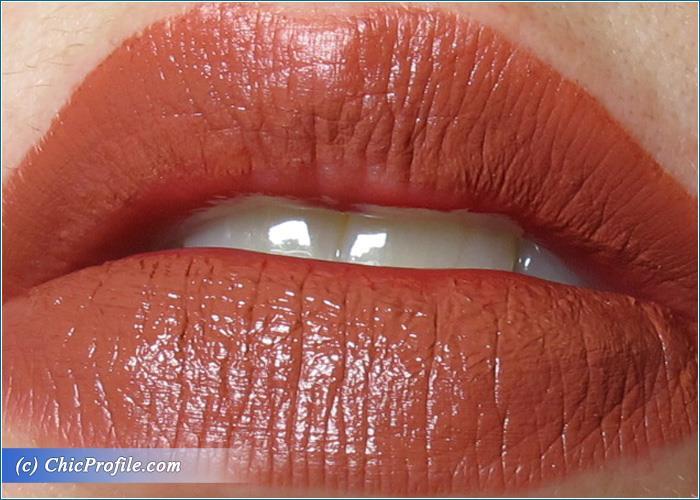 Deborah-Absolute-Lasting-Liquid-Lipstick-02-Review-7