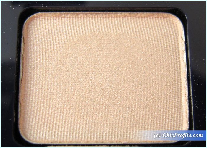Estee-Lauder-Pure-Color-Eyeshadow-Winking-Periwinkle-Ivory-Slipper-Review-4