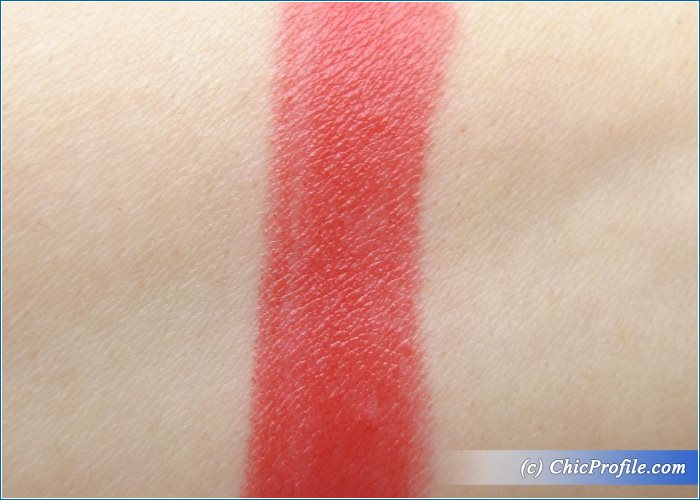 Max-Factor-Marilyn-Berry-Lipstick-Review-4