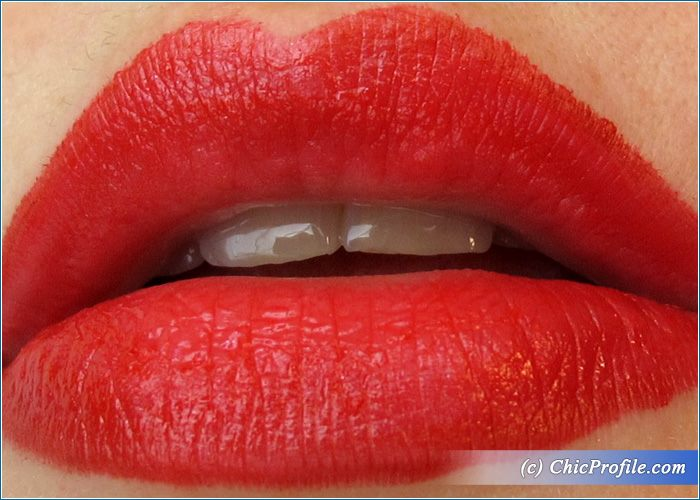 Max-Factor-Marilyn-Ruby-Red-Lipstick-Review-6