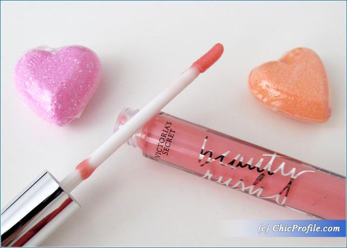 Victoria's-Secret-Pinky-Beauty-Rush-Lip-Gloss-Review-1