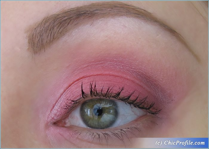 H&M-Pink-Eyeshadow-Palette-Eye-Makeup
