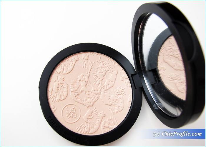 Rouge-Bunny-Rouge-Goddess-Highlighting-Powder-Review-6