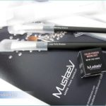 MustaeV New Makeup Brushes and White Color Powder