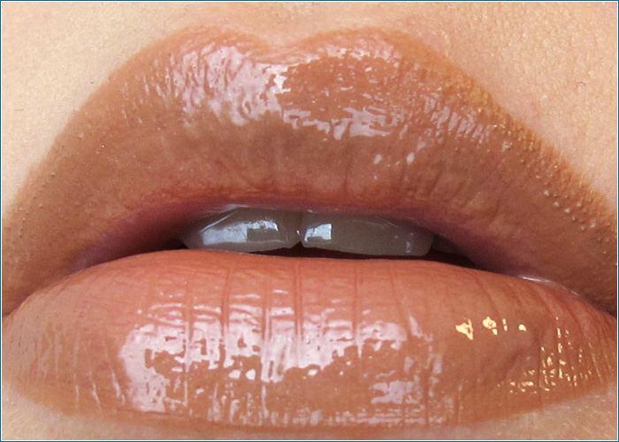 Shiseido-Essence-Lipgloss-Lip-Liner-Swatch