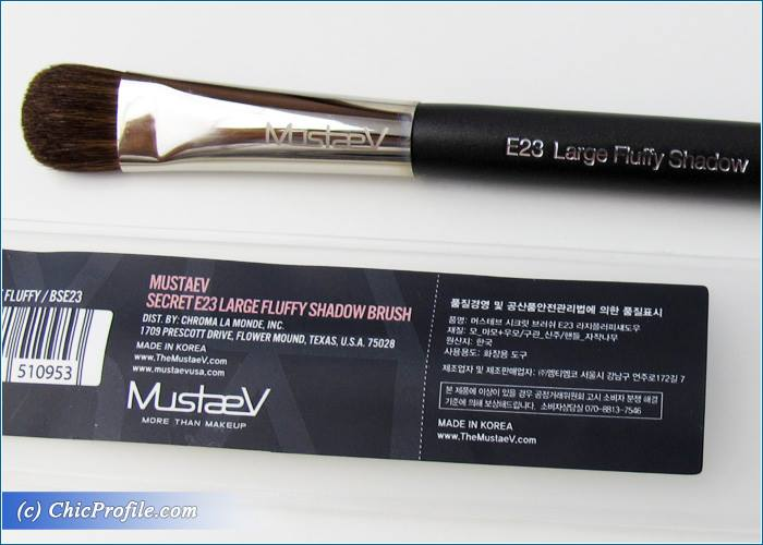 Mustaev-Blending-Shadow-Large-Fluffy-Shadow-Brushes-Review-3