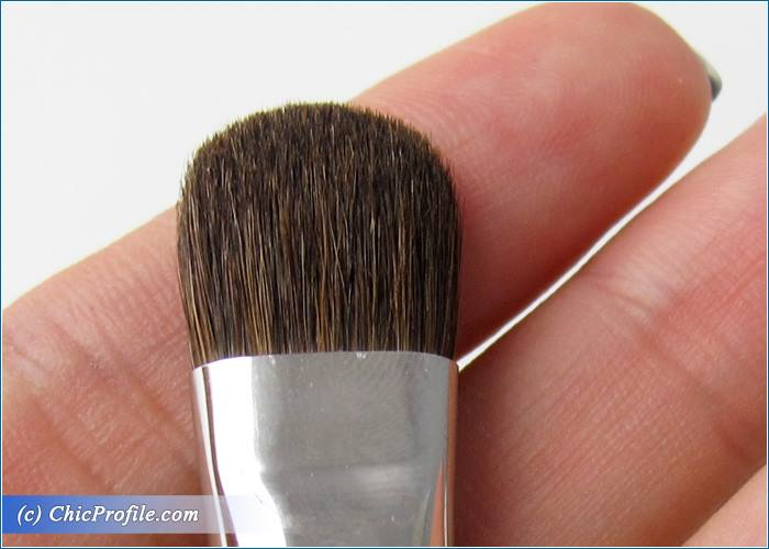 Mustaev-Blending-Shadow-Large-Fluffy-Shadow-Brushes-Review-5