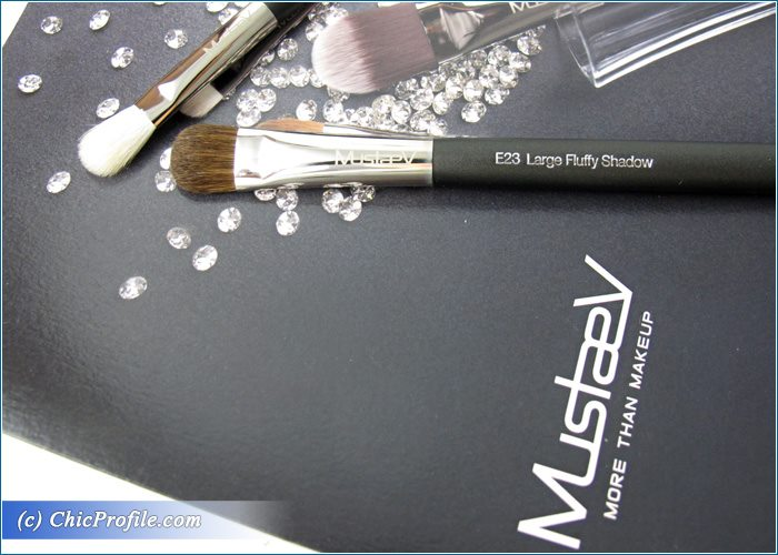 Mustaev-Blending-Shadow-Large-Fluffy-Shadow-Brushes