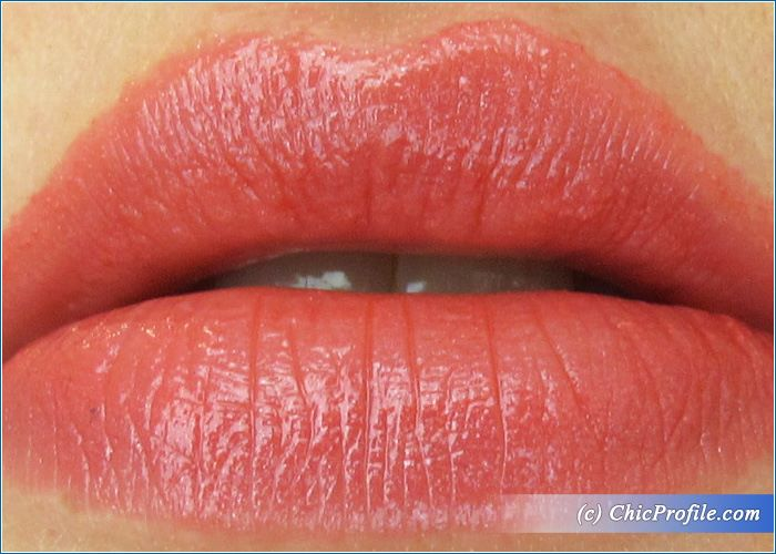Guerlain-Fall-in-Red-Kiss-Kiss-Lipstick-Review-7