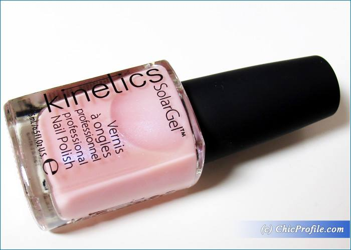 kinetics-giselle-solar-gel-nail-polish-review