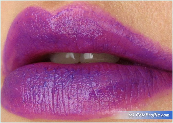 urban-decay-pandemonium-lipstick-lip-liner
