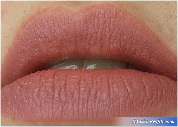 essence-matt-matt-matt-lipstick-no2-swatch