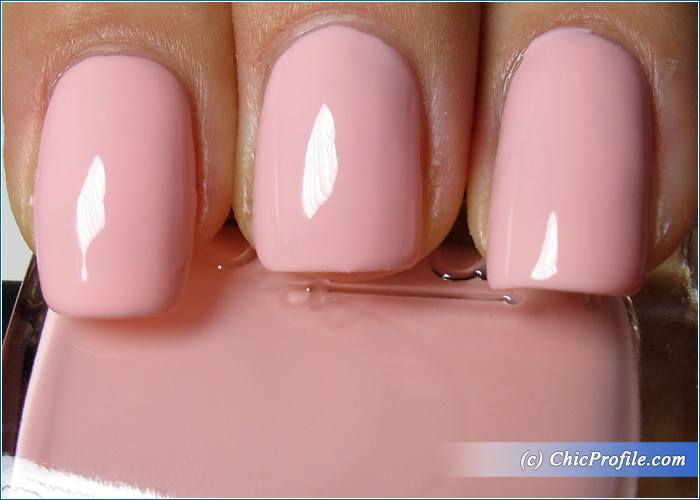 kinetics-pirouette-nail-polish-swatch-1