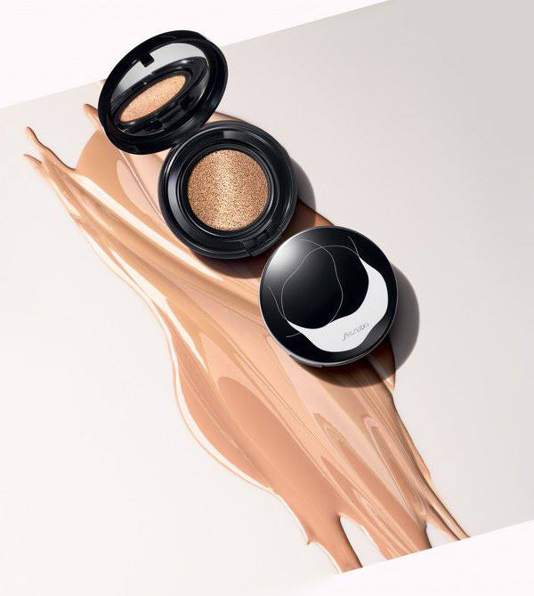 shiseido synchro skin glow cushion compact winter 2016. Black Bedroom Furniture Sets. Home Design Ideas