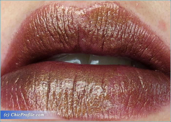 urban-decay-conspiracy-vice-lipstick-swatch-1