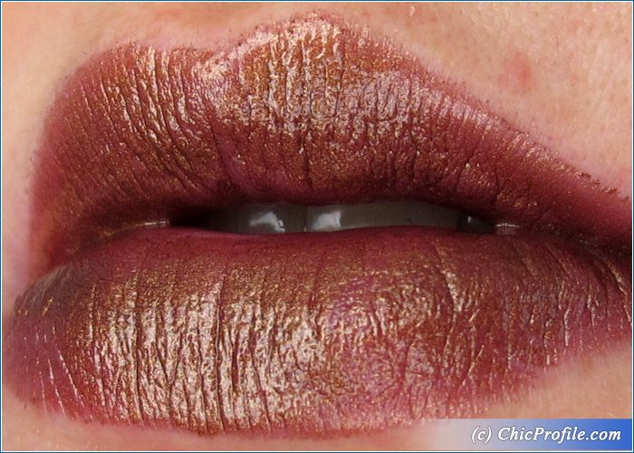 urban-decay-conspiracy-vice-lipstick-swatch-2
