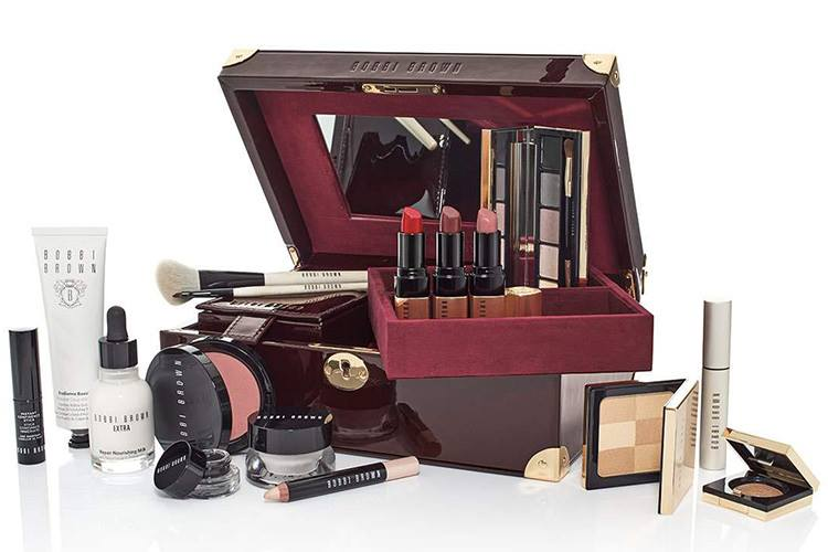 bobbi-brown-holiday-2016-luxe-beauty-trunk