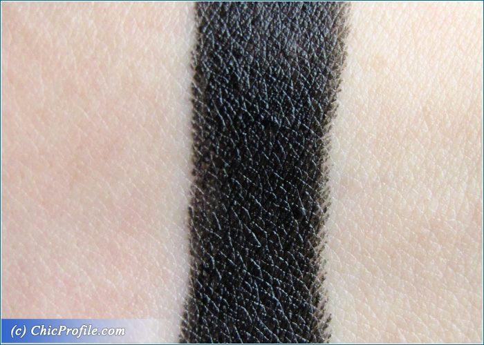 melkior-after-dark-lipstick-swatch