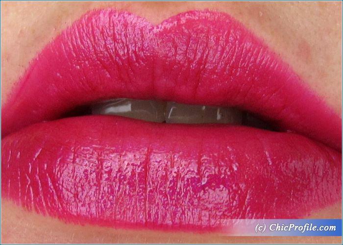 urban-decay-firebired-vice-lipstick-swatch-1