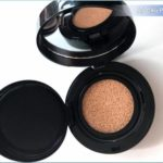Lancome Olympia Le-Tan Cushion Highlighter Review, Swatches, Photos