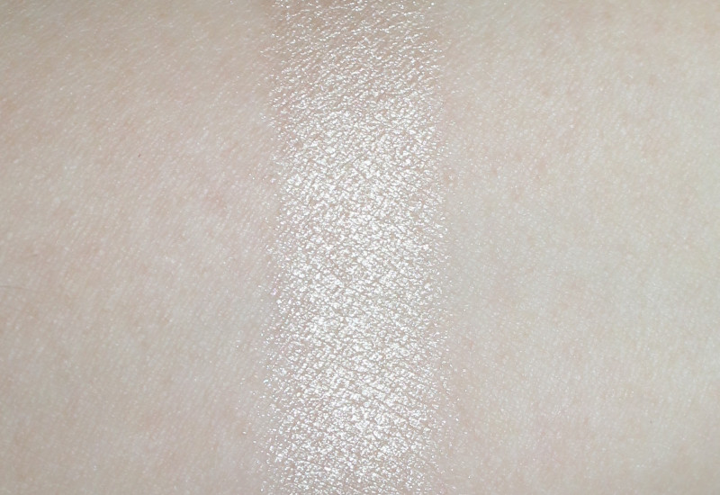 MAC Moon Masterpiece Double Gleam Extra Dimension Skinfinish Swatch