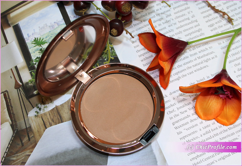 MAC Beige-Ing Beauty Radiant Matte Bronzing Powder