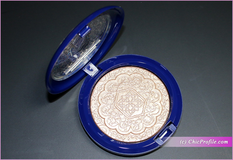 MAC Whisper of Gilt Extra Dimension Skinfinish