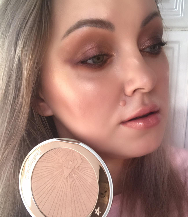 Charlotte Tilbury Superstar Glow Higlighter Soft Makeup