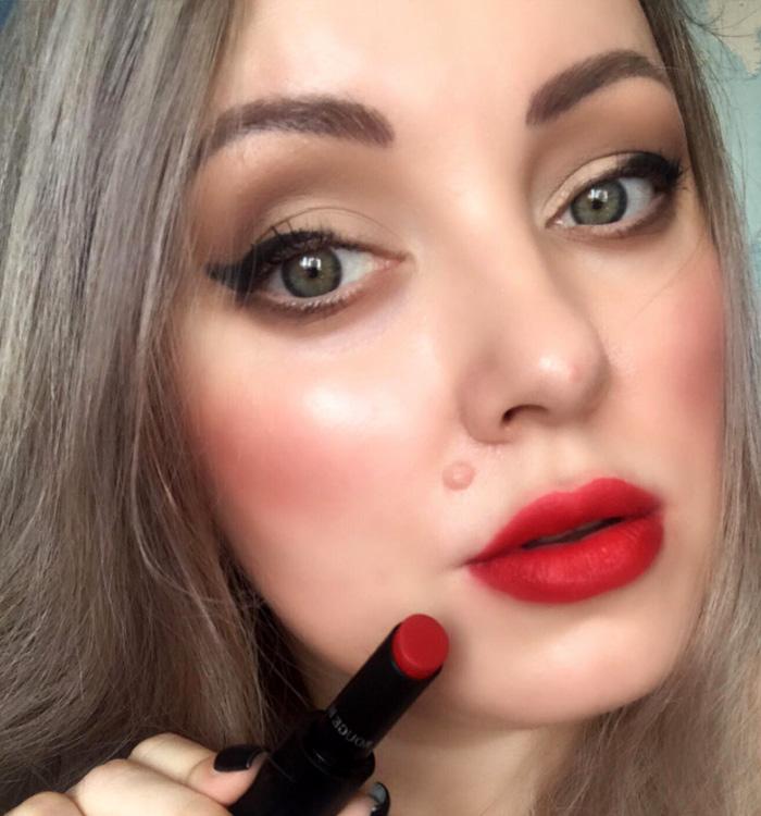 Winged Eye Makeup Look Red Lips