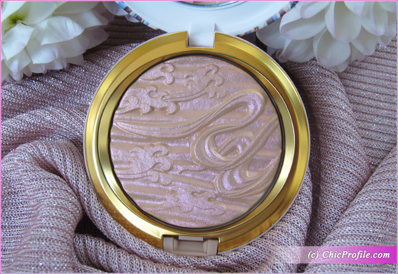 MAC Show Gold Extra Dimension Skinfinish highlighter