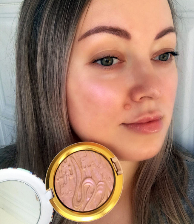 MAC Show Gold Extra Dimension Skinfinish Makeup Look