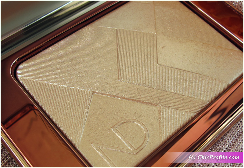 Natasha Denona I Need a Nude Glow Highlighter Close Up