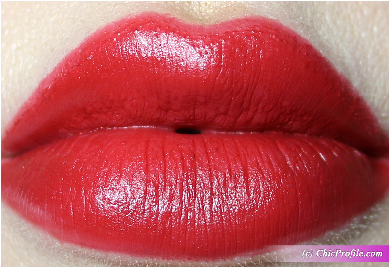 L'Absolu Rouge Intimatte (888) Kind of Sexy Lip Swatch